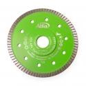 Disque diamanté de coupe avec segment turbo fermé